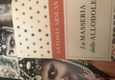 """Poesia e tragedia. Antonia Arslan commenta il nuovo libro: Benedici questa croce di spighe. Antologia di scrittori armeni, vittime del genocidio""""."""