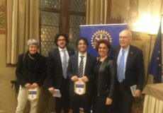 """La """"teoria del tutto"""": il Rotary Club Reggio Emilia incontra Eugenio Capitani"""